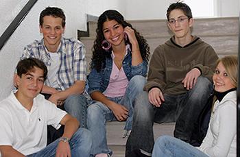 Entrer Dans La Vie Active Vous Etes Jeune Le 13 A Votre Service